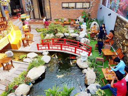 Thiết kế cảnh quan quán café sân vườn đẹp độc đáo cổ điển và hiện đại
